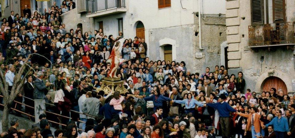 La settimana santa e l'ipocrisia dei gioiosani