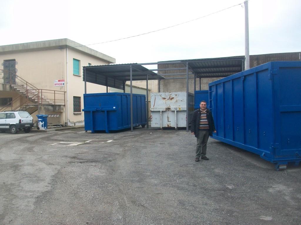 L'assessore Zavaglia al centro di raccolta rifiuti 003