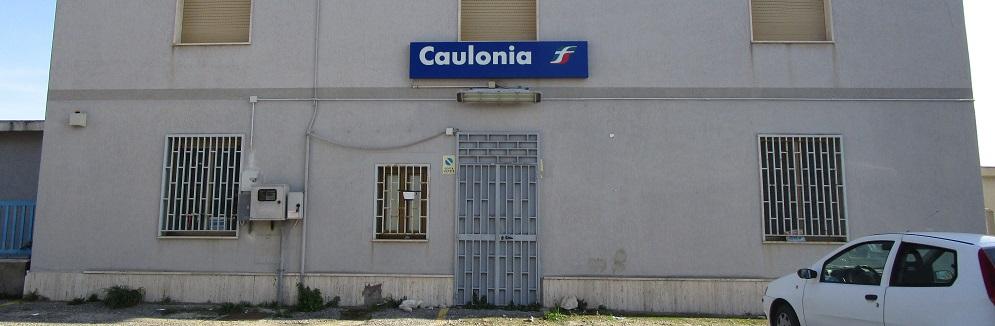 Il pisciatoio pubblico di Caulonia