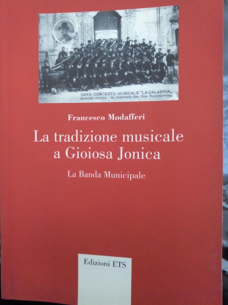 La copertina del libro di Ciccio Modafferi