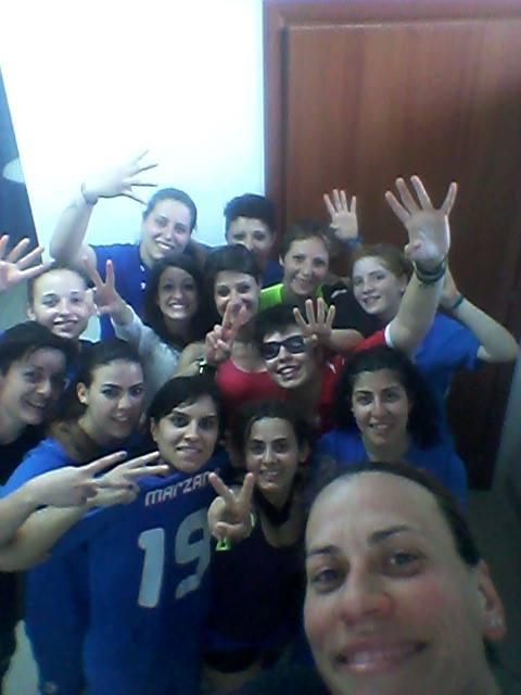 Gioiosa Calcio a 5 femminile - il selfie della vittoria