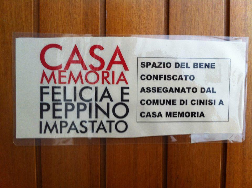 La casa del boss Badalamenti, ora confiscata e assegnata alla Casa Memoria Felicia e Peppino Impastato