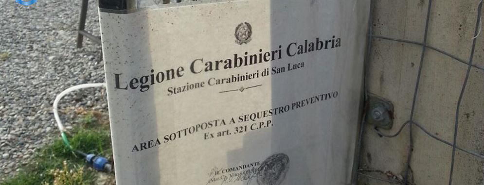 Locride: arresto per produzione di stupefacenti e un'autocarrozzeria sequestrata