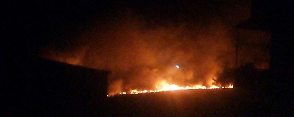 Incendio in contrada Ficara di Caulonia, spento dai residenti