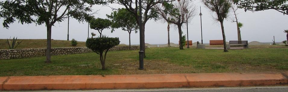 Furto a Caulonia: Le rubano la borsa dall'auto mentre è in spiaggia