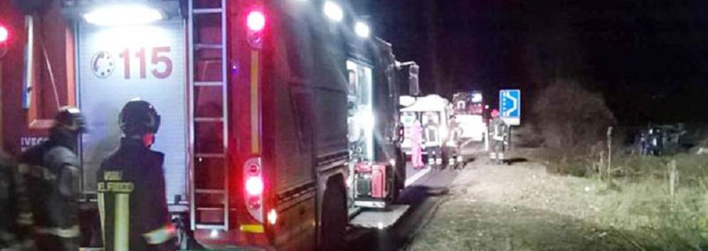 Vigili del Fuoco salvano due persone da incendio casa