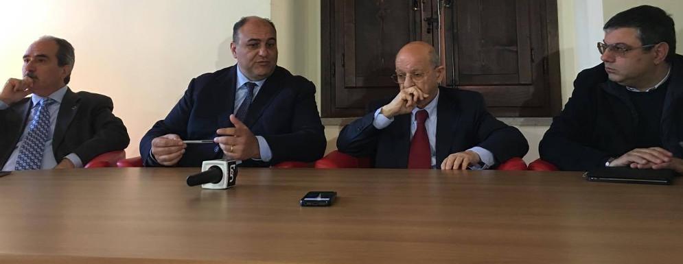 Locri e Siderno chiedono le dimissioni di Imperitura dall'Assemblea dei Sindaci