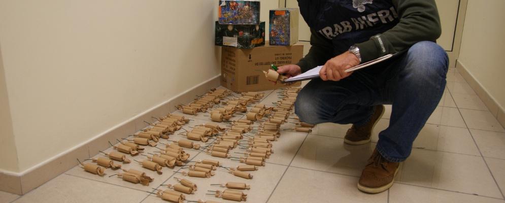 Trasportavano 6 kg di polvere pirica:2 denunce a Locri