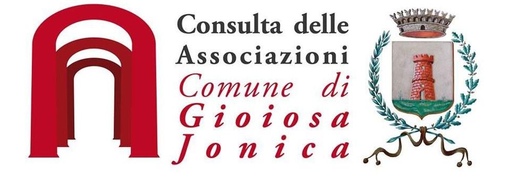 PIEVE EMANUELE: SINDACO E ORGANIZZATORI PLAUDONO LO STAND DI GIOIOSA IONICA