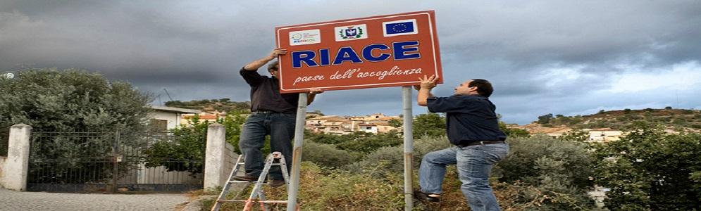 Il sindaco di Riace: «Case, formazione, profughe di Goro vi accogliamo noi»