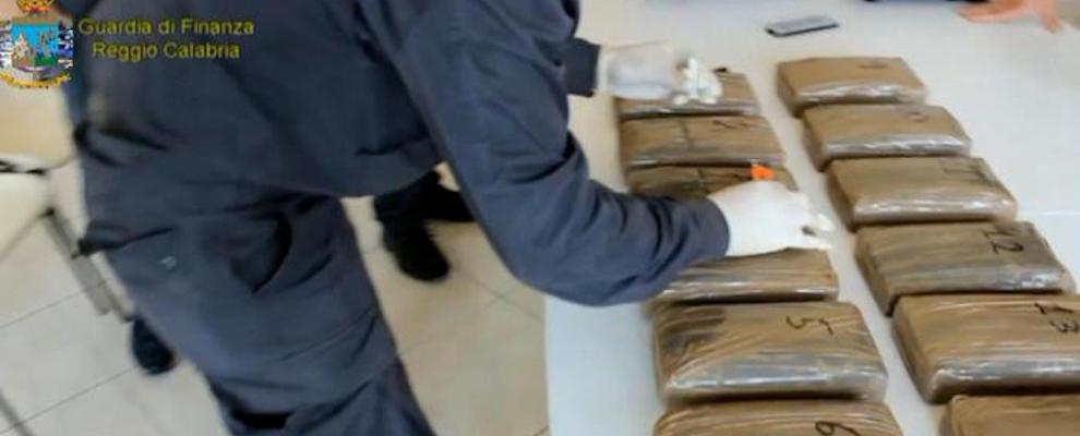 Sequestrati oltre 2 quintali di cocaina