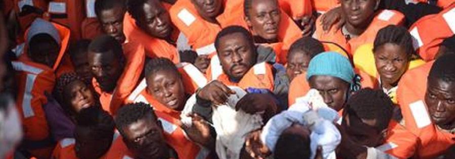 Reggio: nave con 430 migranti a bordo