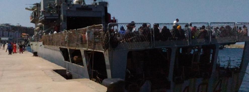 Arrivata a Reggio nave con 651 migranti