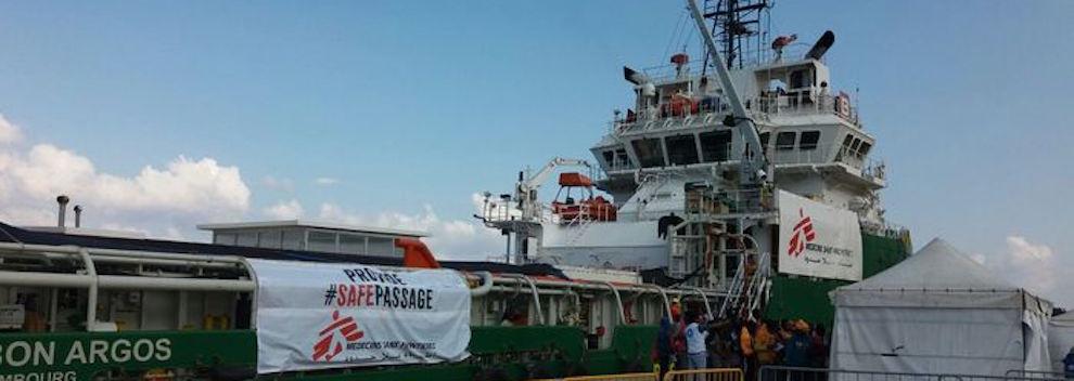A Reggio Calabria arrivati 541 migranti, uno ferito