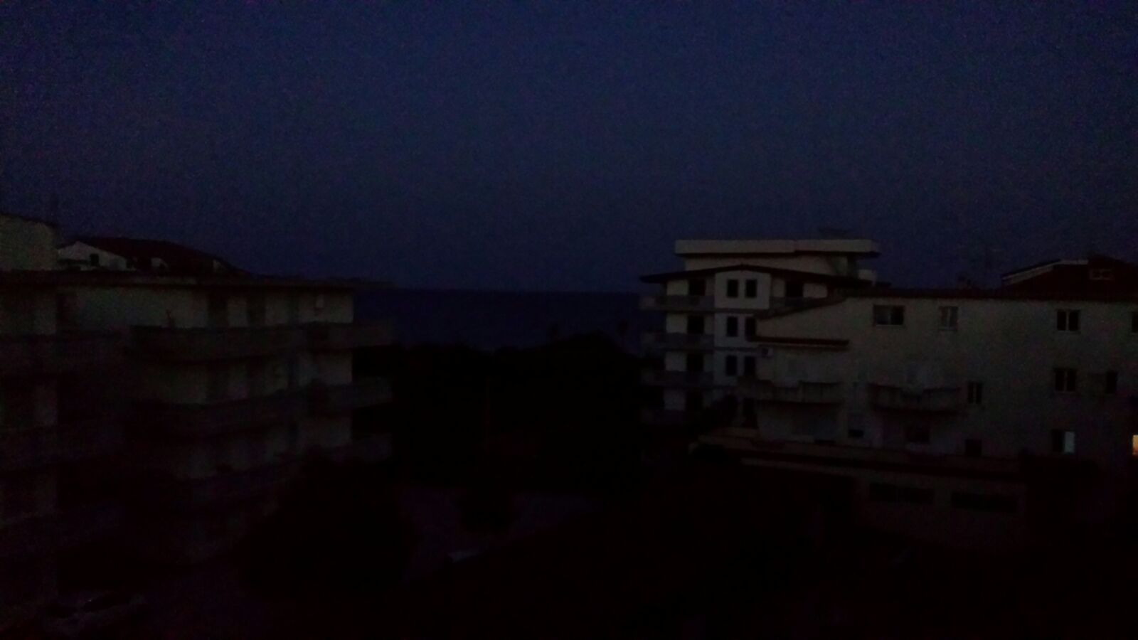 black out caulonia marina