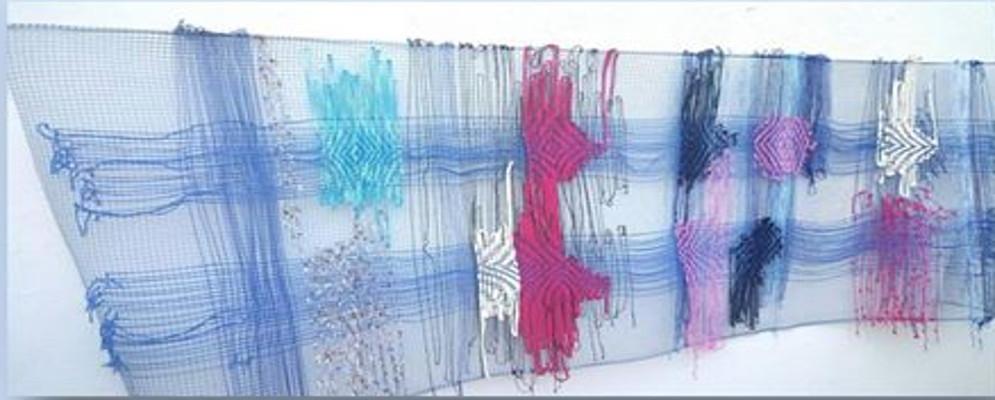 """Siderno, presentazione catalogo """"Trame interrotte per Tessere l' esistenza"""" dell' artista Rosa Spina"""