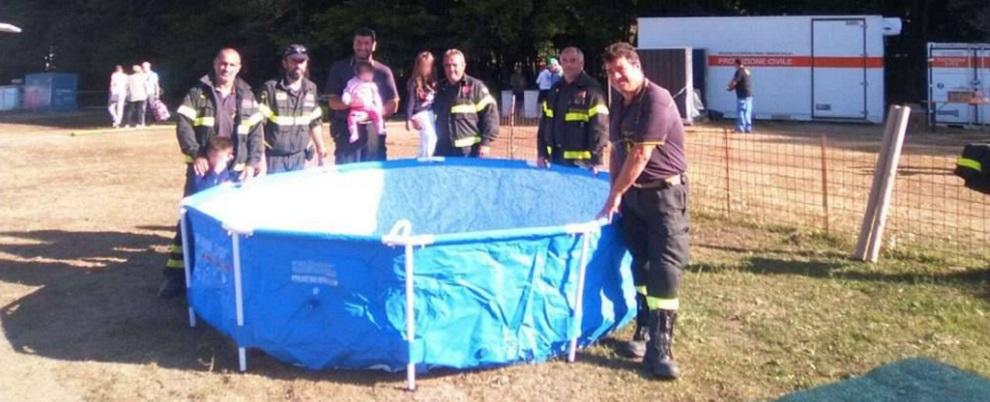 Vigili del Fuoco Calabria donano piscina ai bambini vittime del sisma