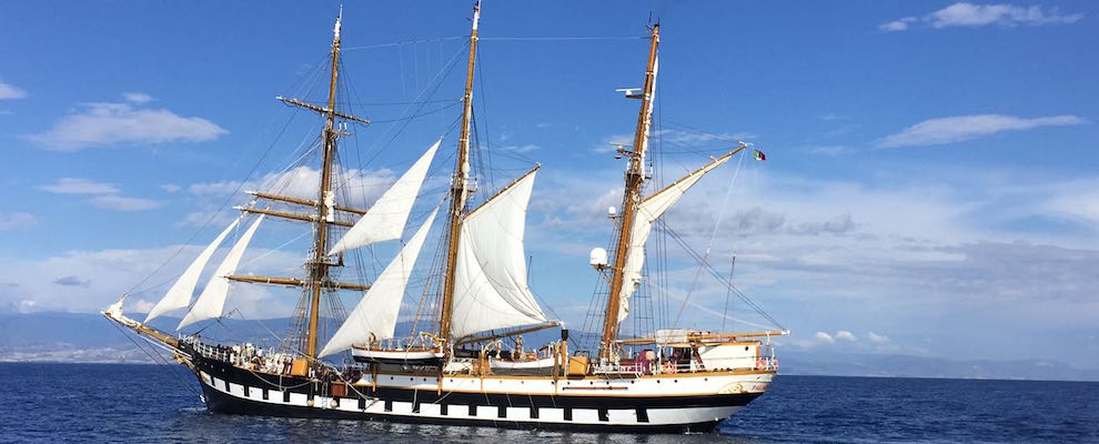 Roccella Jonica: Guardia Costiera soccorre un minore su Nave Palinuro