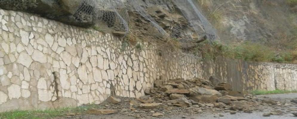 Caulonia, frana lungo la Strada Provinciale a causa del maltempo