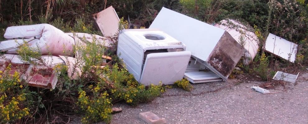 Osservatorio Cittadino Siderno: denuncia combustione rifiuti