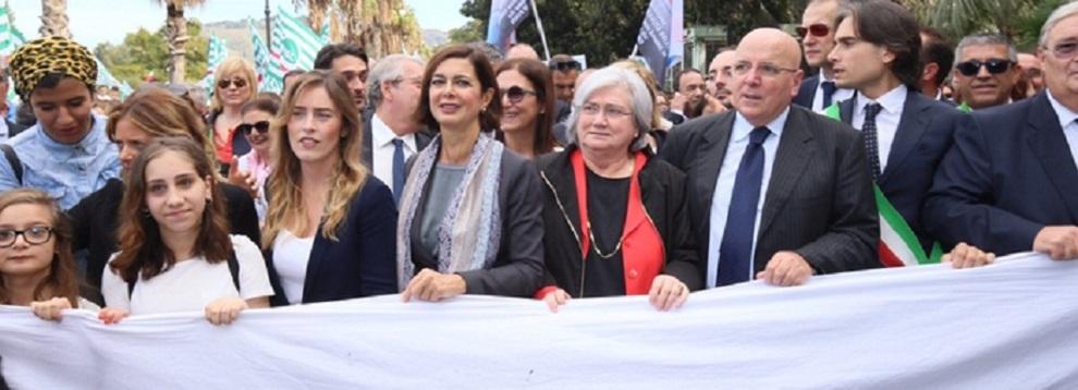 Reggio Calabria: migliaia a manifestazione contro violenza sulle donne