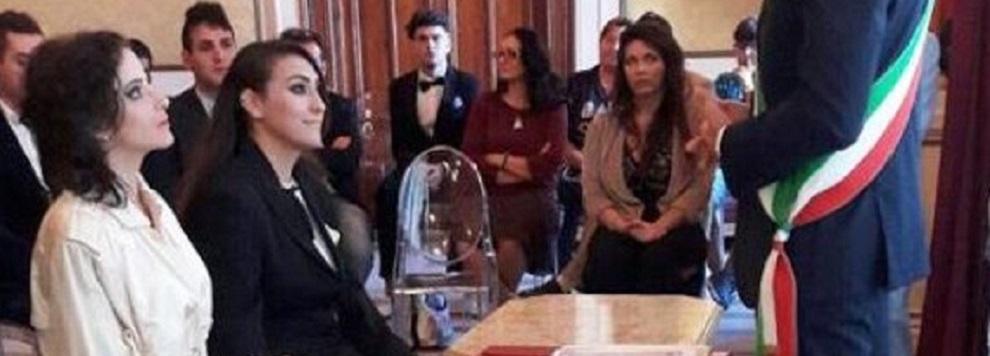 A Reggio Calabria la prima unione civile: il sindaco sposa Fatima e Bernadette (FOTO)