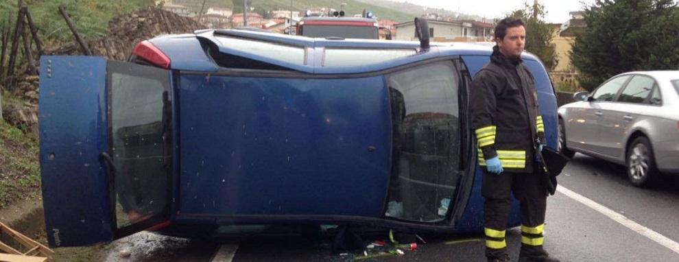Auto si ribalta più volte, due feriti gravi in Calabria