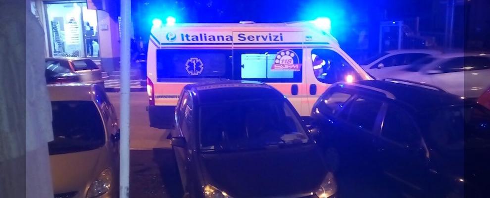 Ritrovato a terra in gravi condizioni, indagano i carabinieri
