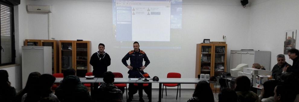 Roccella Jonica: la Guardia Costiera incontra gli studenti della Locride