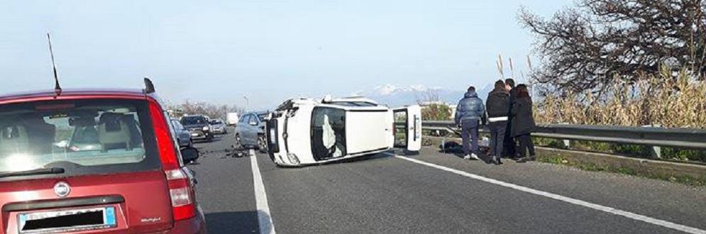 Ancora un incidente sulla statale 106