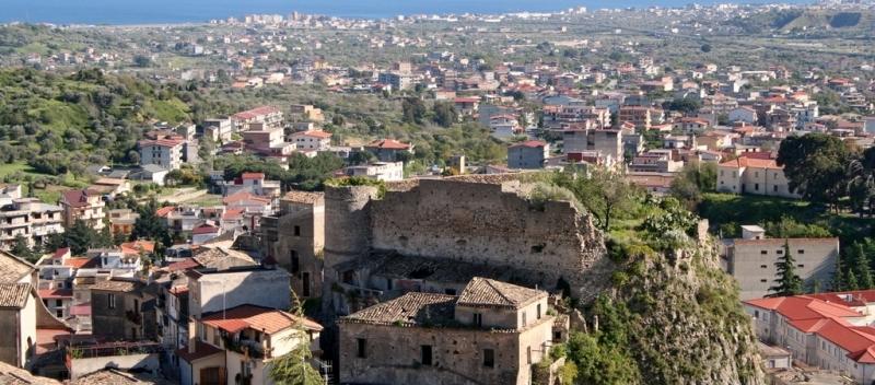 Castello di Gioiosa Ionica: come riuscire a valorizzarlo?