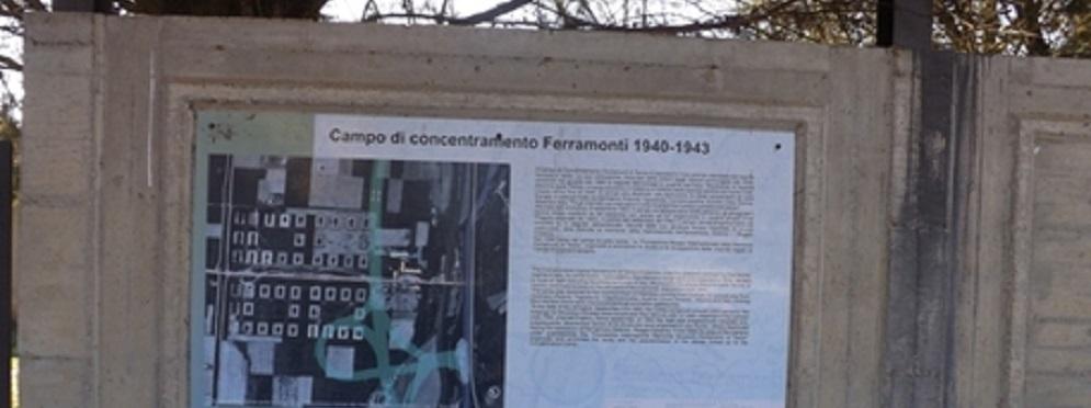 Vandali in campo concentramento Calabria