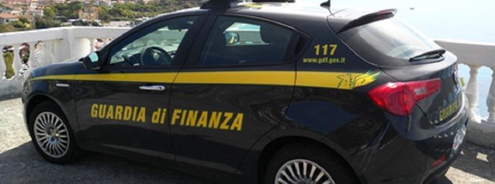 15 euro per una mascherina: maxi sequestro della guardia di finanza in Calabria