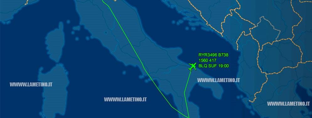 Maltempo, volo Bologna-Lamezia costretto ad atterrare a Bari