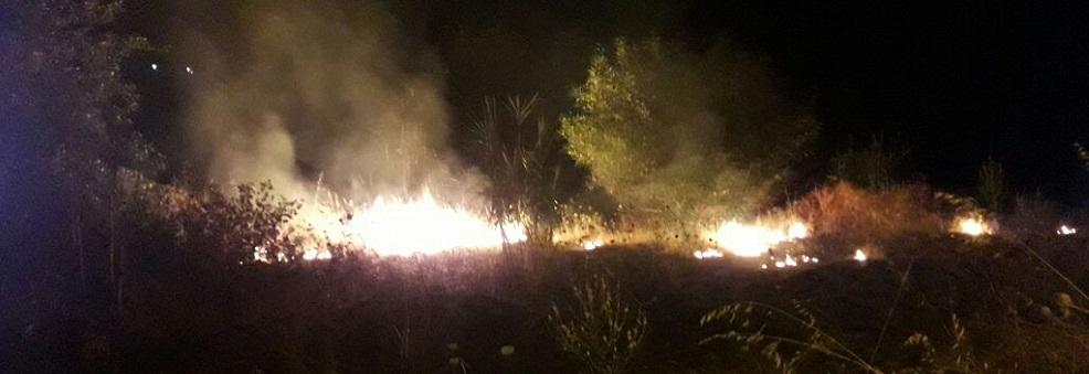 Ricominciano gli incendi a Caulonia marina