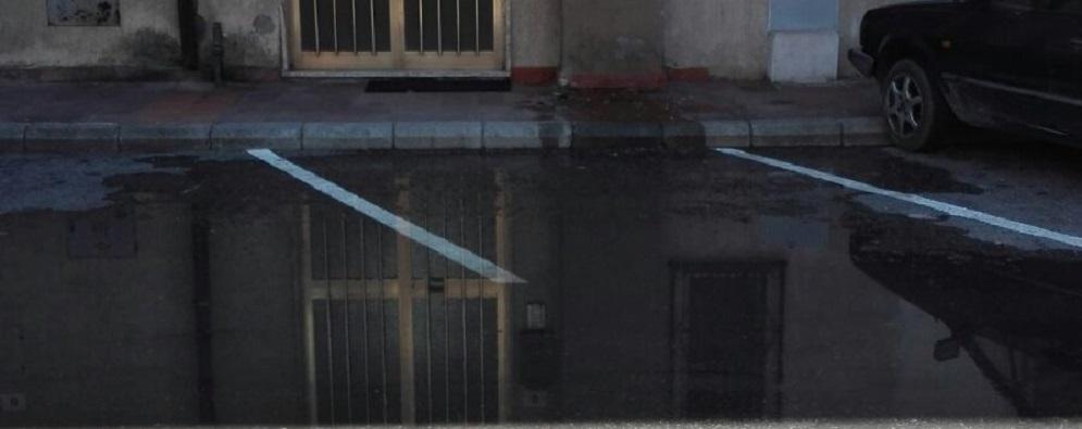 A Caulonia Marina la fogna scorre per strada