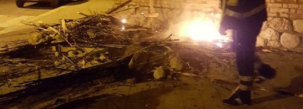 L'amarezza di Antonella Ierace per la devastazione della capanna del presepe di Caulonia marina