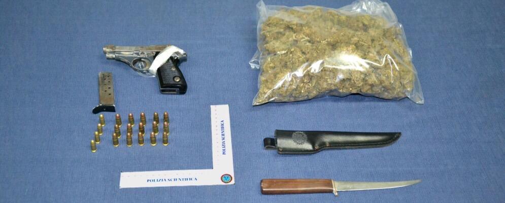 Armi e droga in casa durante una perquisizione, arrestate madre e figlia