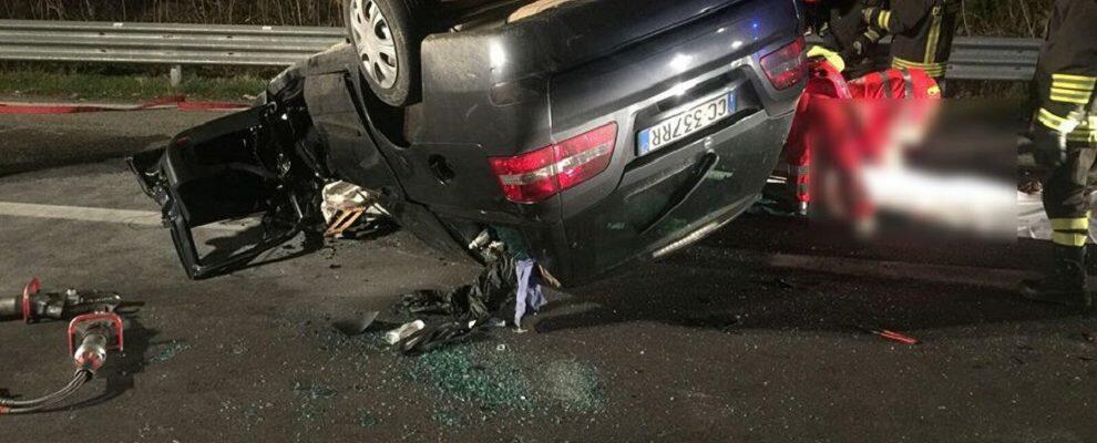 Scontro fatale tra vettura e autoarticolato sulla S.S. 106, una vittima