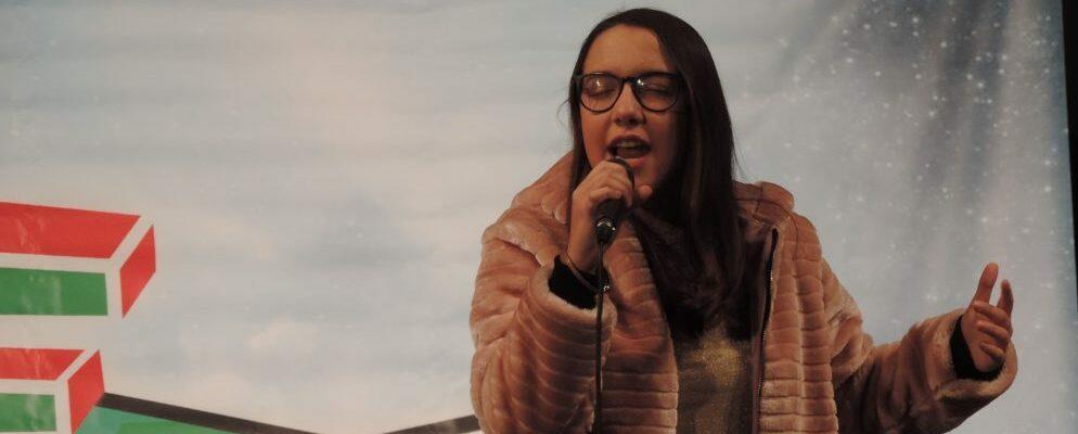 La giovane cantante cauloniese Ilenia Mazzà sabato a Casa Sanremo