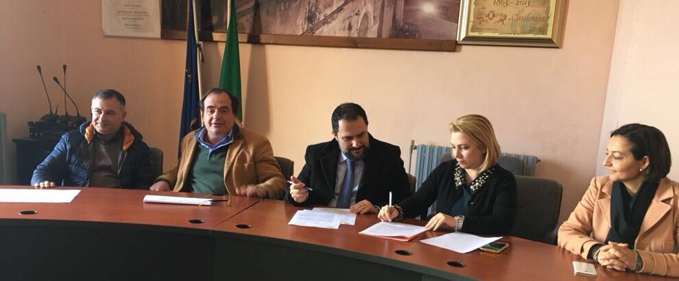 Caulonia, firmato protocollo d'intesa tra Comune e Consorzio di Bonifica