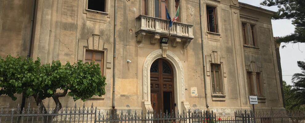 "Comune di Caulonia: ""L'emergenza rifiuti si fa sempre più grave"""
