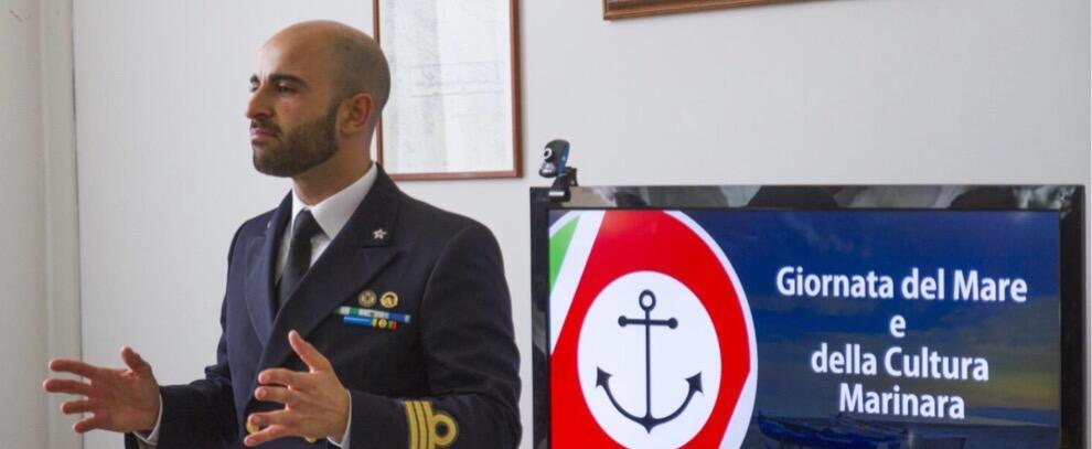 Giornata del mare e della cultura marinara: 80 studenti in visita alla Guardia Costiera di Roccella Jonica