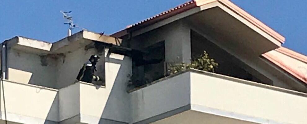 Incendio a Marina di Gioiosa Ionica: in fiamme un appartamento