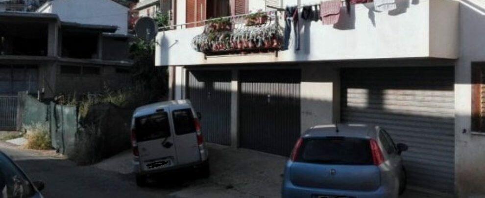 Due agguati in Calabria, spara in un bar e in una casa: 2 morti e 3 feriti. Identificato il killer