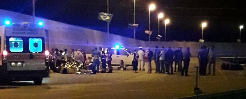 Sbarco di 38 migranti al porto di Roccella
