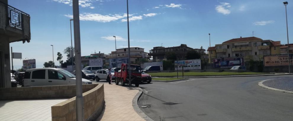 Incidente sulla S.S. 106 alla rotonda di Caulonia Marina