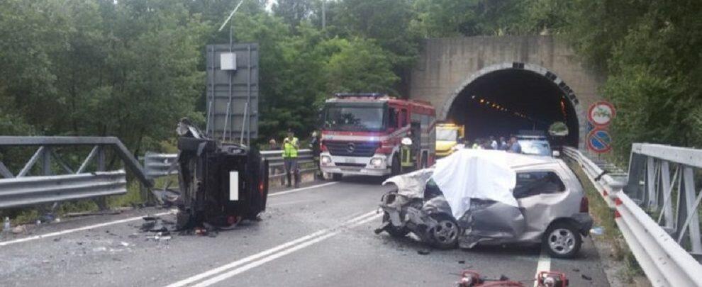Tragico incidente in Calabria: muore un giovane, due i feriti gravi