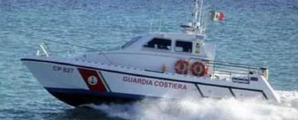 Colto da malore al largo di Bovalino, soccorso dalla guardia costiera