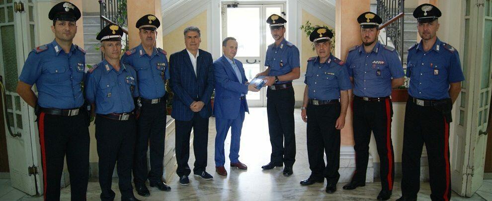 Consegnato un defibrillatore alla Compagnia Carabinieri di Palmi
